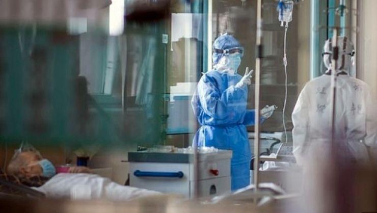 Încă doi bărbați infectați cu noul coronavirus au decedat la Spitalul din Carei