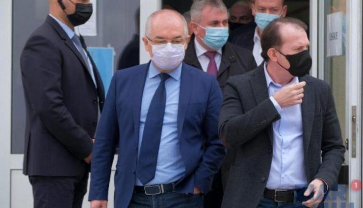 """Emil Boc: """"Ludovic Orban nu mai poate reprezenta viitorul pentru PNL. Dacă nu era preşedintele Iohannis nu eram la guvernare!"""""""