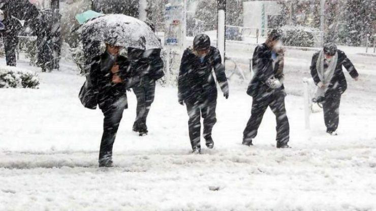 Val de aer polar peste România. Ninsori, viscol şi temperaturi de -15 grade Celsius
