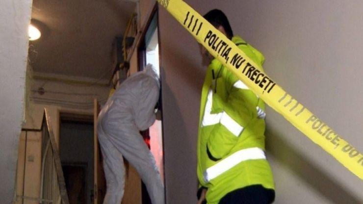 Posibilă crimă în Micro 15. Două persoane găsite decedate într-un apartament