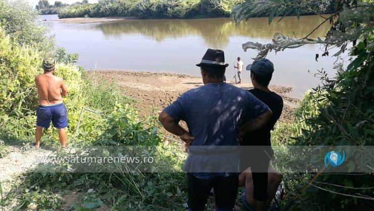 Pompierii au găsit cadavrul tânărului dispărut în râul Someș