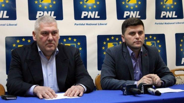 Unul dintre cei mai activi consilieri locali PNL, Romeo Pop, îi cere demisia președintelui Adrian Albu
