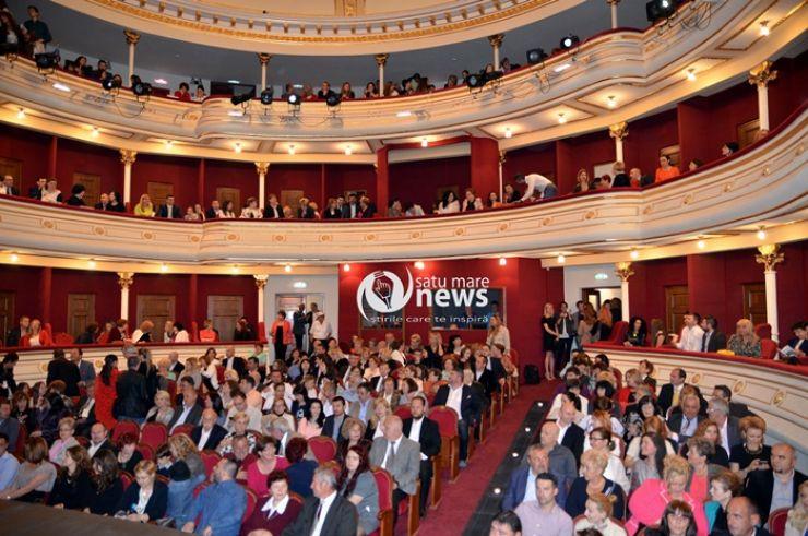 """Teatrul de Nord s-a deschis. Sală plină la piesa """"Švejk"""" a Teatrului Odeon"""