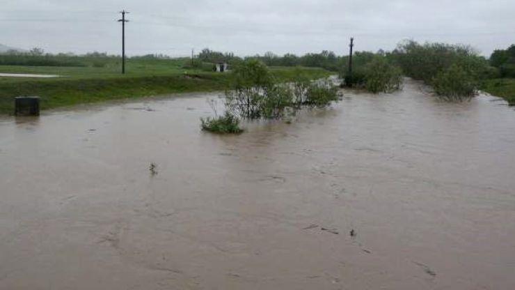 15 gospodării din Cămărzana inundate