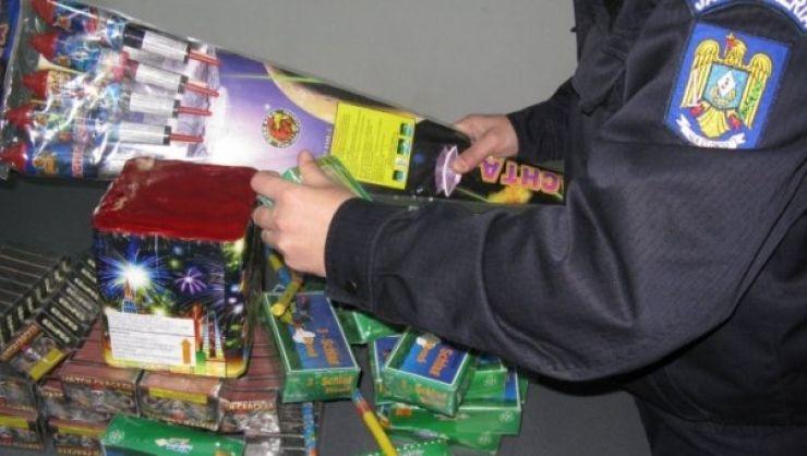 Prinse în flagrant cu materiale pirotehnice ilegale