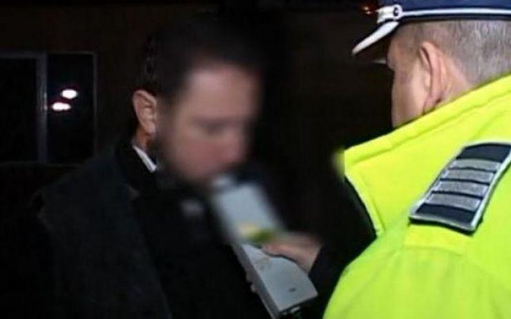 Şofer cu 1,08 alcoolemie, la volan. Bărbatul a fost prins la un control de rutină în trafic