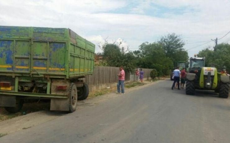 Un bărbat din Dumbrava a murit strivit de o remorcă