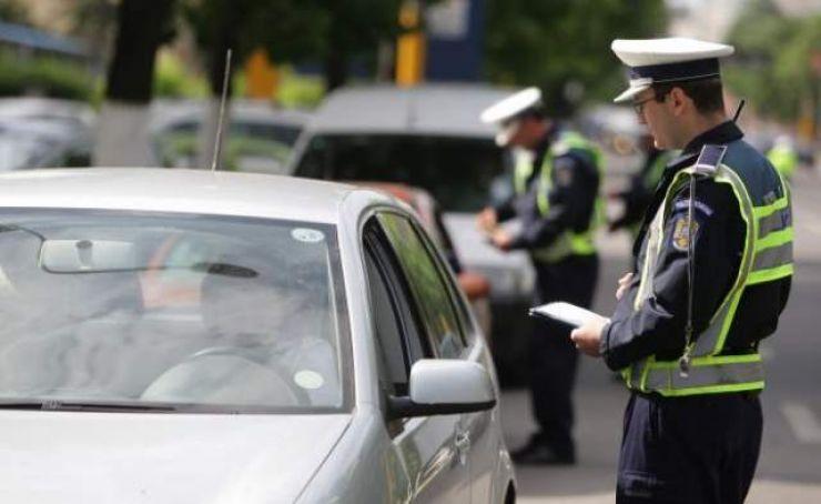 Șoferi beți sau fără permis, prinși de polițiști