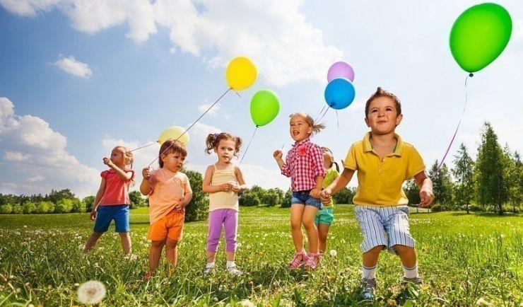 Zâmbete și bucurie, de Ziua Copilului, pentru copiii instituționalizați
