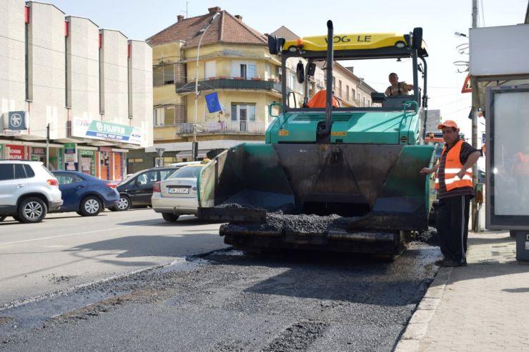 26 de străzi din municipiu intră în reparații
