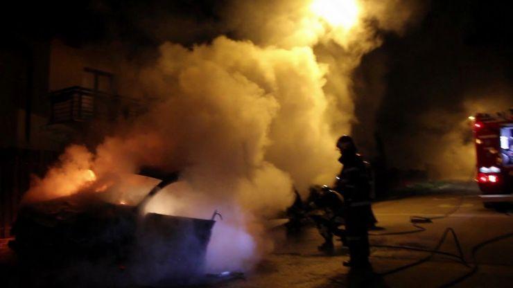 Autoturism cuprins de flăcări în municipiul Satu Mare
