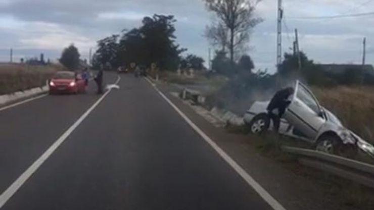 Accident | Mașină proiectată în șanț. O femeie, de 67 de ani, a ajuns la spital
