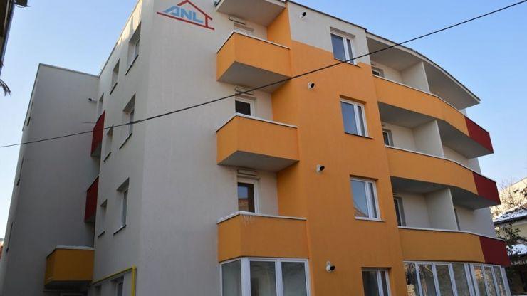 Primii 13 medici au primit locuințe în blocul ANL