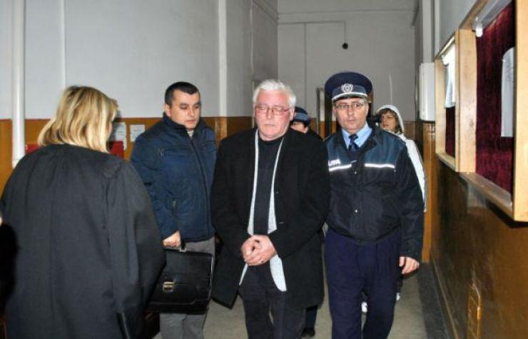 Fostul director al APIA, Viorel Pintea, condamnat la 3 ani de închisoare cu executare