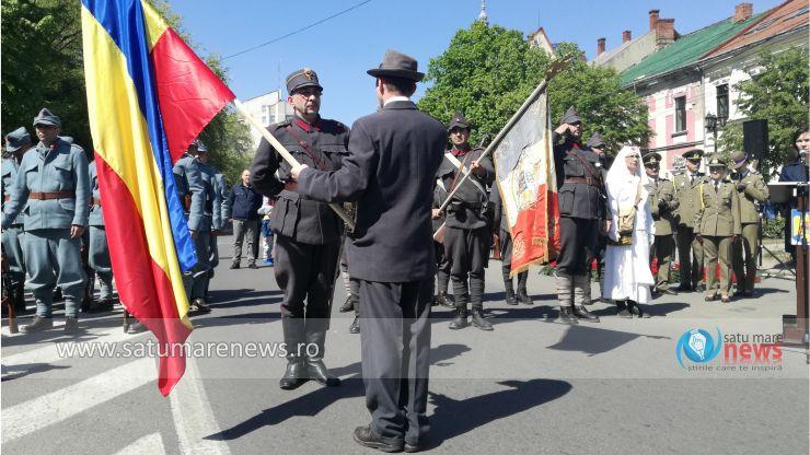 Armata a reintrat simbolic în Satu Mare, după un secol! Paradă militară de amploare, cu avioane și elicoptere