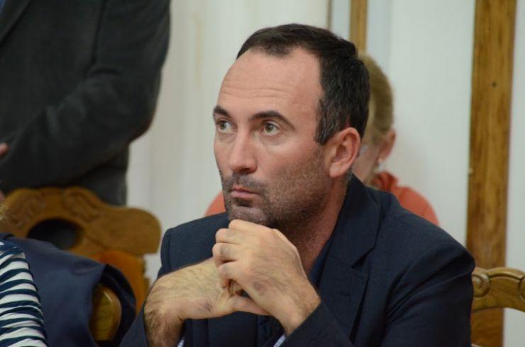Medicul Cosmin Rațiu a strâns cele mai multe voturi la alegerile de azi pentru funcția de președinte al Colegiului Medicilor Dentişti Satu Mare