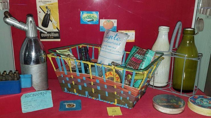 Expoziție inedită cu obiecte din perioada comunistă