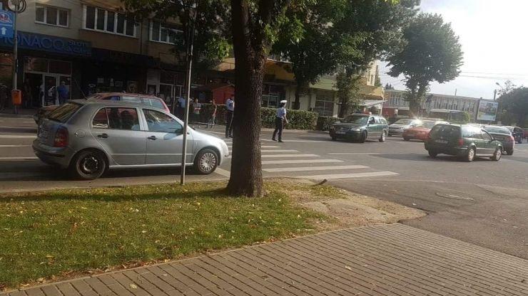 Copil de 9 ani lovit de o mașină în Micro 17. Părinții, sancționați