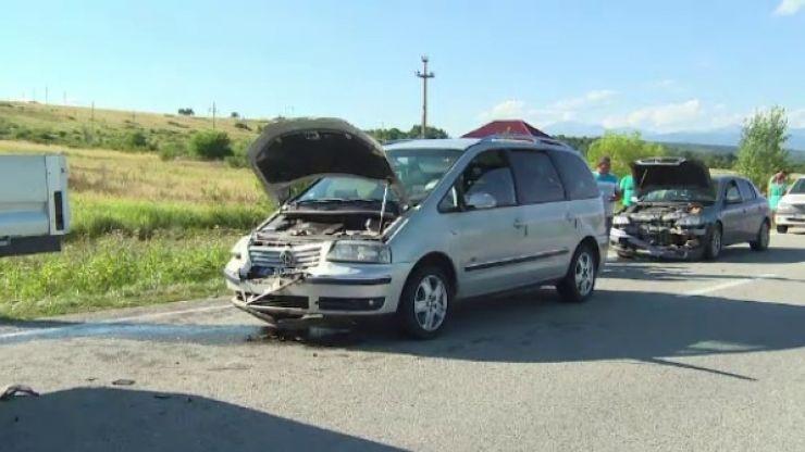 O persoană a fost rănită, în urma unui accident în lanț