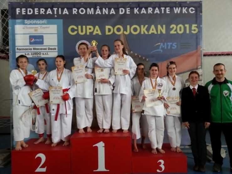 """16 medalii pentru karateka de la CSM Satu Mare la Cupa """"Dojokan"""" din Aiud"""