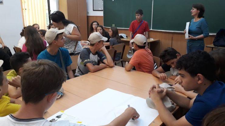 26 de elevi din Satu Mare și alte județe din țară și Ucraina, în tabără de matematică
