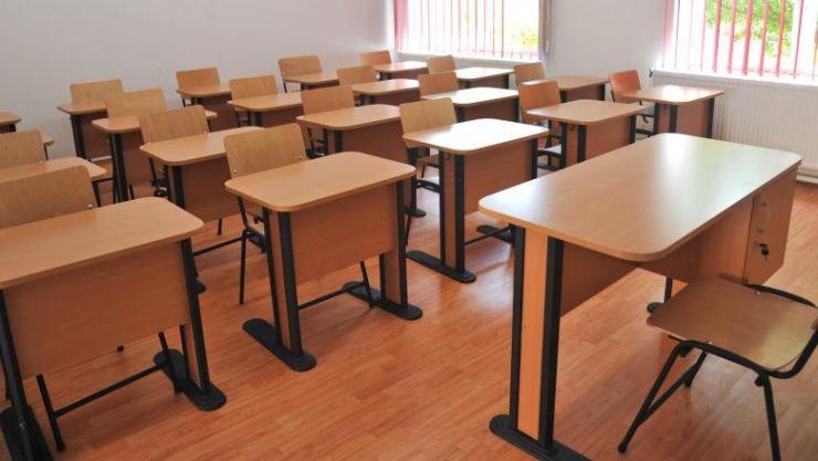 Trei şcoli din Satu Mare funcţionează în scenariul roșu