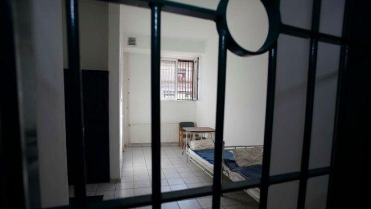 Doi bărbați condamnați la închisoare, prinși și încarcerați în Penitenciar