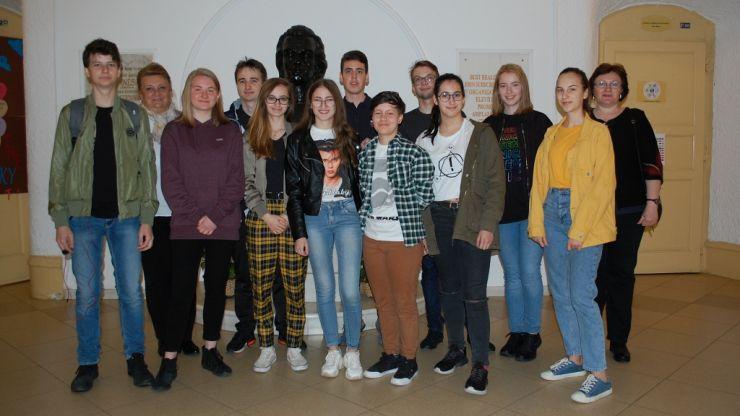 O delegație de elevi eminescieni a participat la Sesiunea Regională de Selecție Transilvania aParlamentului European al Tinerilor