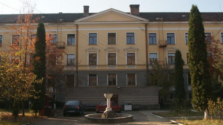 Spitalul Orășenesc Negrești Oaș scoate la concurs 13 posturi