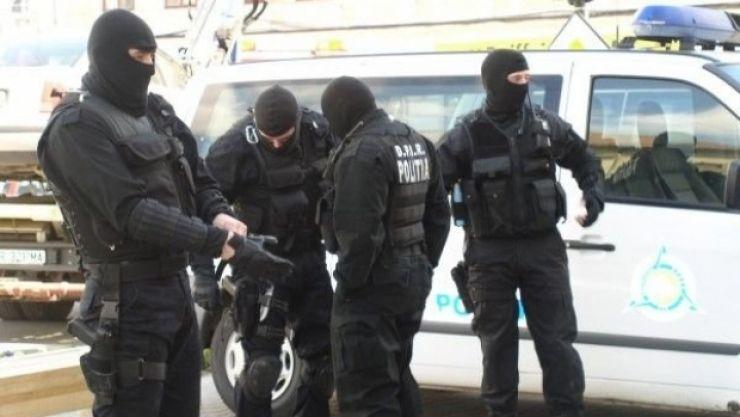 Percheziții la o rețea de hoți din Satu Mare