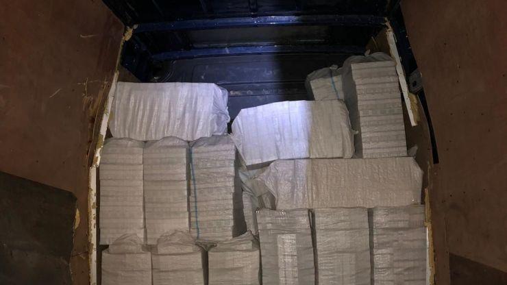 Peste 290.000 de fire de țigarete de contrabandă confiscate de polițiști