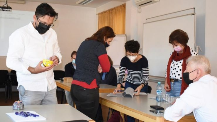 Un proiect inovator: terapie asistată de roboți educativi