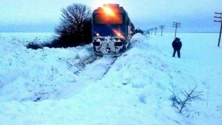 Trenuri anulate din cauza zăpezii