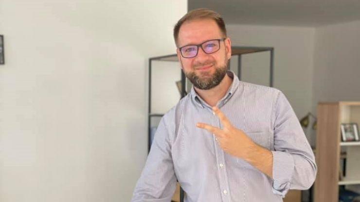 """Deputatul Radu Panait anunță """"că candidează"""" pentru un loc în Biroul Național în echipa lui Dan Barna"""