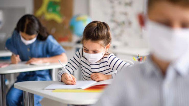 COVID-19 | Senatul a votat acordarea stimulentului de risc pentru cadrele didactice și personalul auxiliar din învățământ