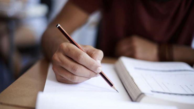 Simulare BAC 2021 | Elevii au susținut azi proba obligatorie a profilului, la matematică sau istorie