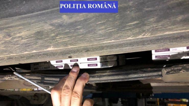 Contrabandistă din Berveni prinsă de polițiști. Avea ascunse în caroseria mașinii 30.000 fire de țigarete