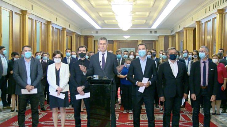 Miniștrii USR-PLUS demisionează din Guvern