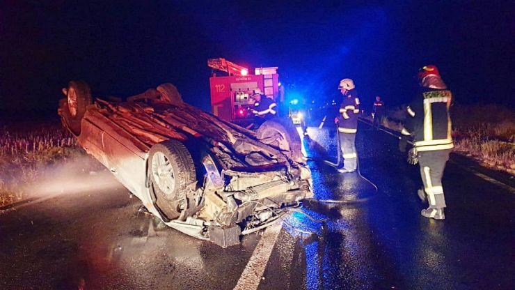 Un tânăr, de 22 de ani, din Corund, s-a răsturnat cu mașina în șanț