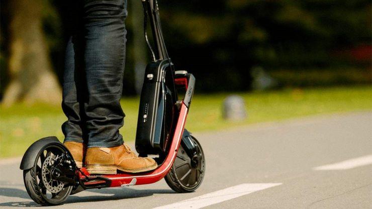 Aviz iubitorilor de trotinete electrice: MAI a lansat un proiect ce prevede ca aceste vehicule electrice să fie conduse numai pe pista pentru biciclete, de către persoane care au minimum 14 ani