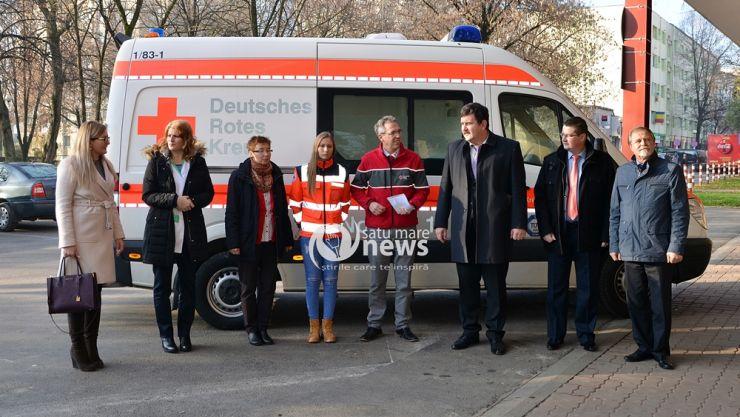 Ambulanță second primită de la nemți. Moment jenant la predarea acesteia