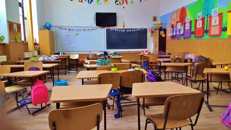Scenariile pentru redeschiderea anului școlar, în septembrie, propuse Guvernului de Federația Părinților
