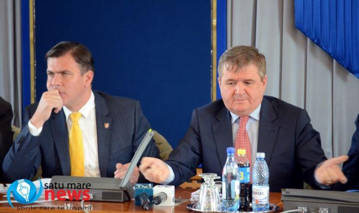 """Govor, supărat pe Cozma. Enătescu, supărat pe oficialități că """"nu dau doi bani pe medicina sătmăreană"""""""