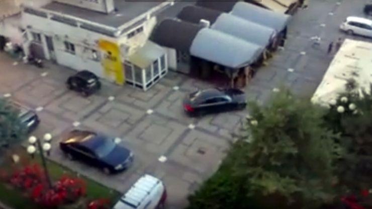 UPDATE Bărbatul care a distrus terasa din centrul nou, în arestul poliției