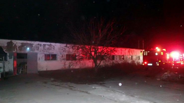 Incendiu la un atelier de tâmplărie situat pe strada Aurel Vlaicu