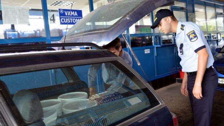Controale la vama Halmeu | Zeci de kilograme de produse alimentare și furaje, confiscate