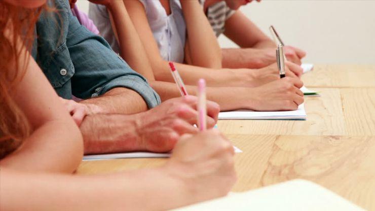 Profesorii află azi ce note au obținut la examenul de titularizare