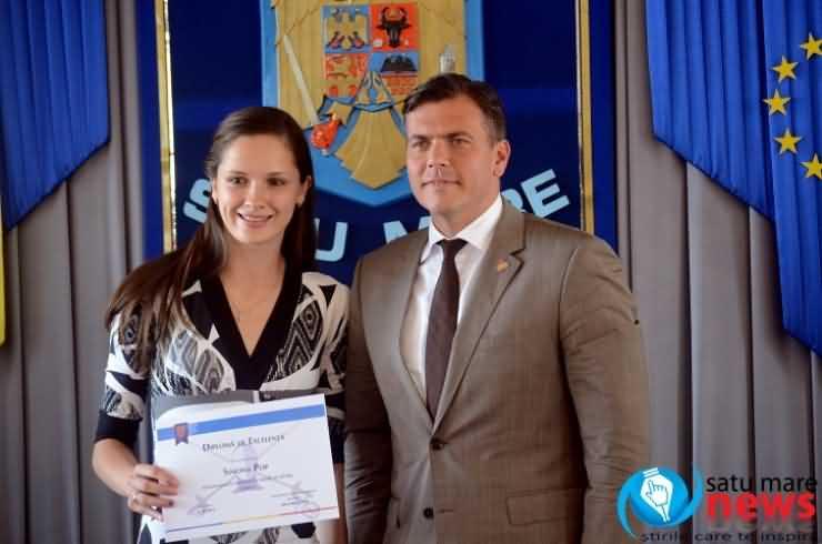 Spadasina Simona Pop, felicitată de președintele Consiliului Județean Satu Mare