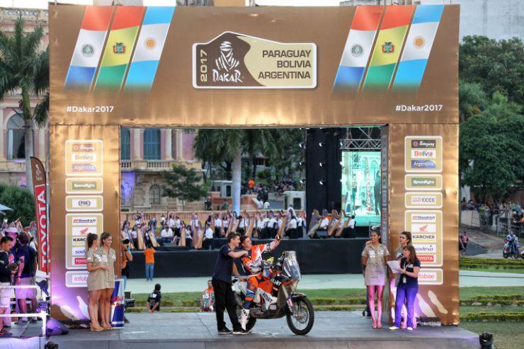 Mani Gyenes a luat startul în Dakar 2017