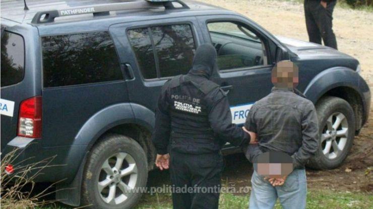 Căutat de autorități pentru trafic de migranți, prins la Vama Halmeu